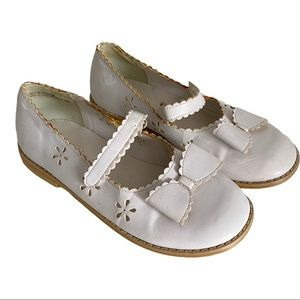 Gymboree white Mary Jane shoes with bow 13 GUC